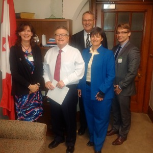 (L-R) Terry McGoldrick, Sons of Scotland; The Honourable Ralph Goodale, PC, MP; Doug Baker, TeachersLife; Tammy Barclay, Toronto Police Widows & Orphans Fund; Clayton Orne-Zalusky, Worden Actuarial & Benefits Consulting